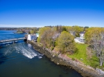 "Desirable Glidden Street Waterfront ""Wee Hoose"":"